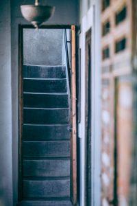 escalier interieur en béton